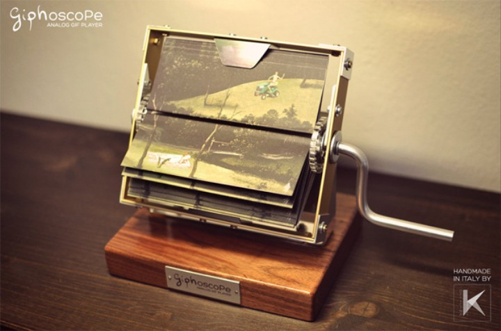 The Giphoscope Allows You To Bring GIFs Anywhere You Want, Even Without Your Computer