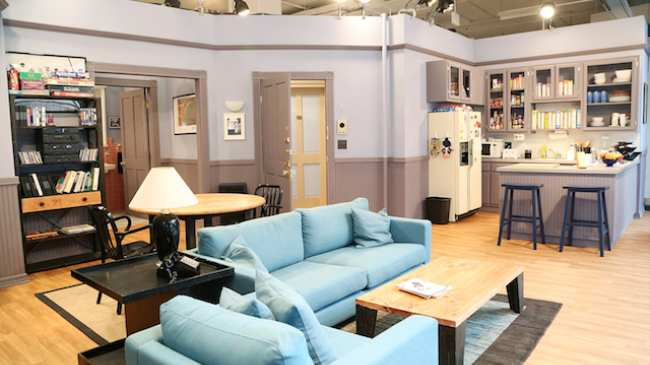 Exclusive How Designers Perfectly Rebuilt The Seinfeld Apartment