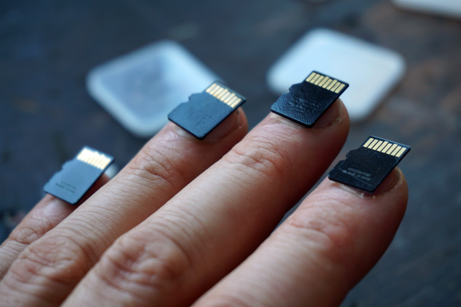 The USB Manicure Puts Data at Your Fingertips - Creators