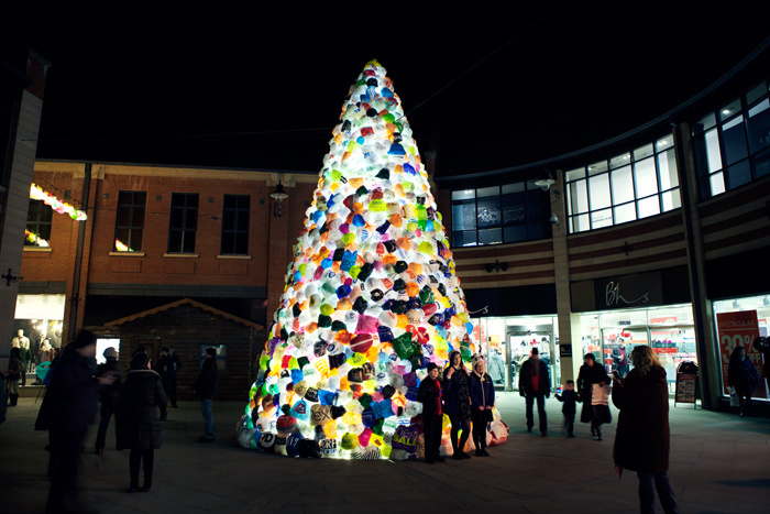 for more information about luzinterruptus click here - Plastic Christmas Tree