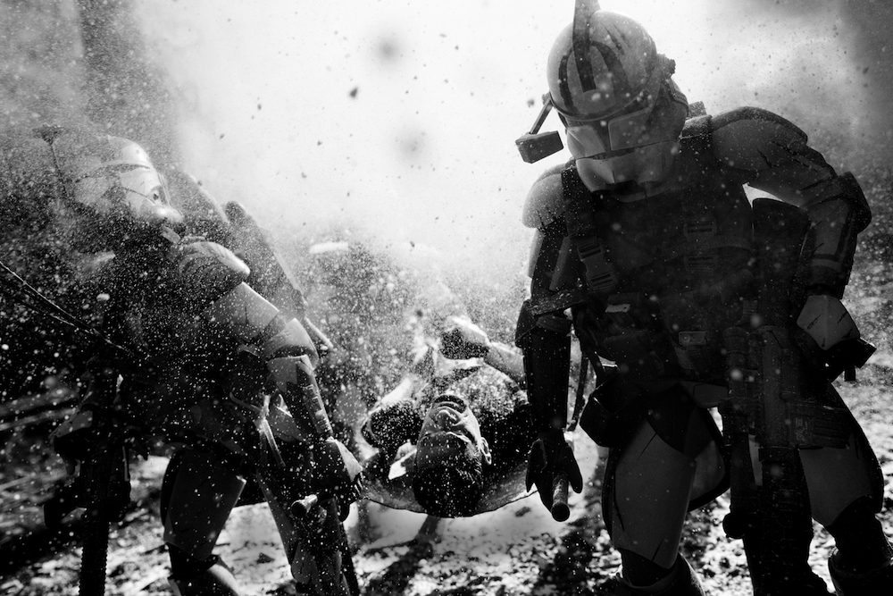 Star Wars Clone Troopers Recreate Powerful Images Of War