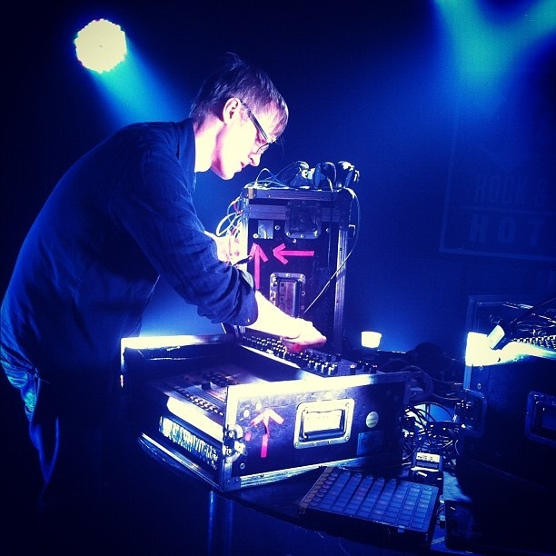 simian mobile disco synthesise no voodoo version Simian mobile disco - synthesise (no voodoo version) 7:17 the bloody beetroots ft steve aoki  my city is my lab (extended version) tom novy feat sandra nasic.