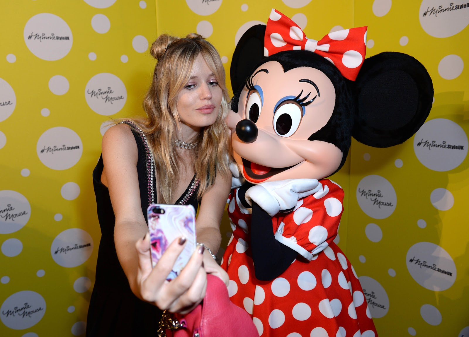 Fashion week Mouse minnie celebrated lfw for woman