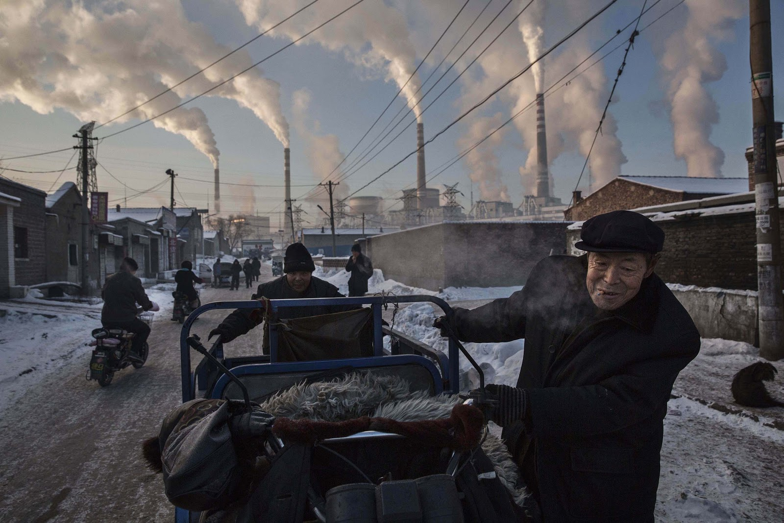 © Kevin Frayer - China's Coal Addiction.jpg