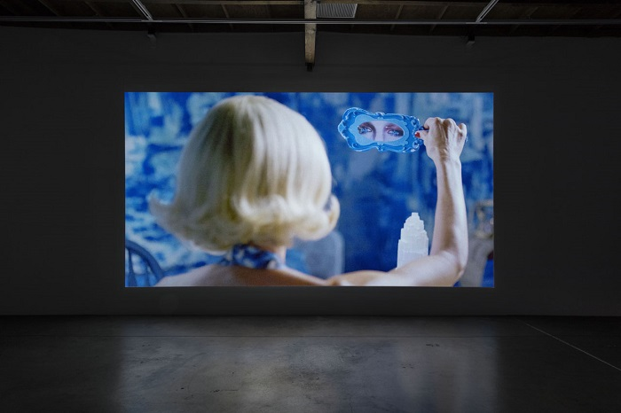 Rosson Crow video installation 2.jpg