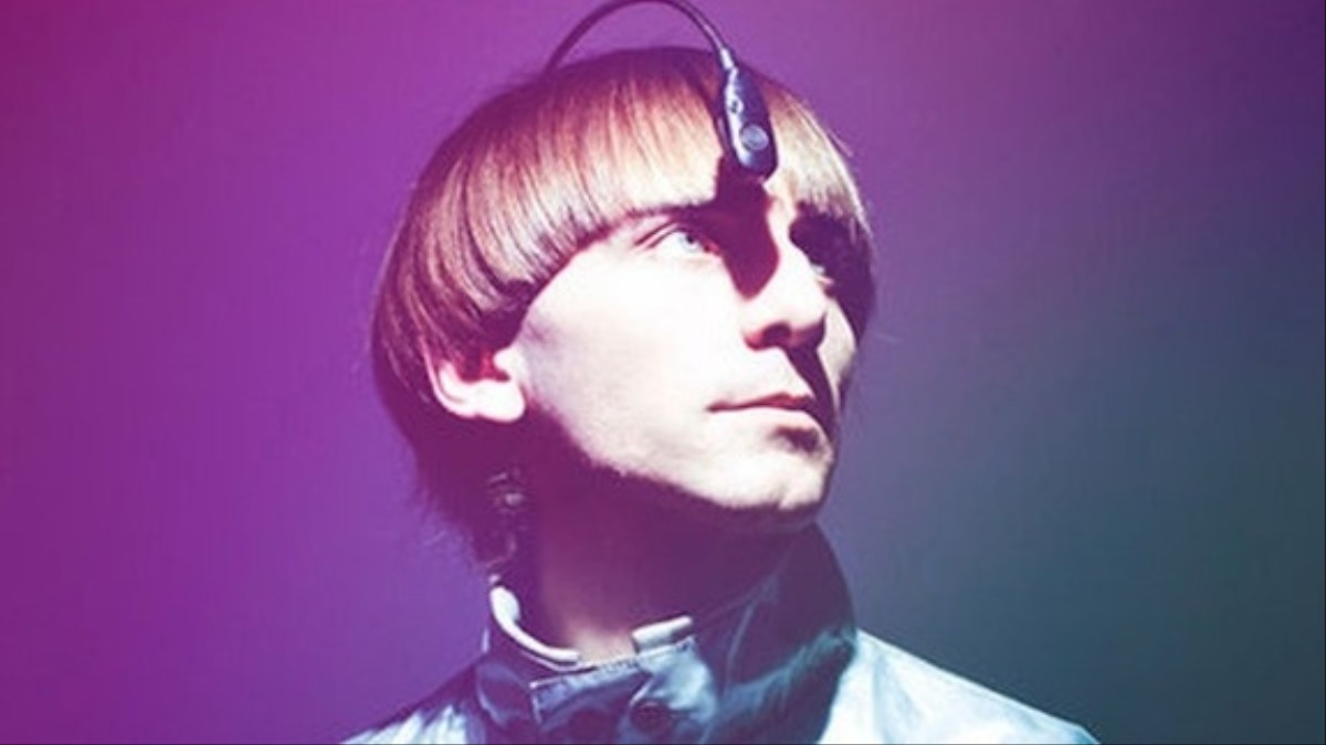 neil harbissons eyeborg Neil harbisson is a catalan contemporary artist, composer, and cyborg activist he was born with achromatopsia, a condition that only allowed him to see in gray scale in 2003, he took part in the development of the eyeborg, a cybernetic eye permanently attached to his head that allows him to hear.