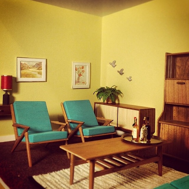 This Miniature Midcentury Modern Furniture Will Make You