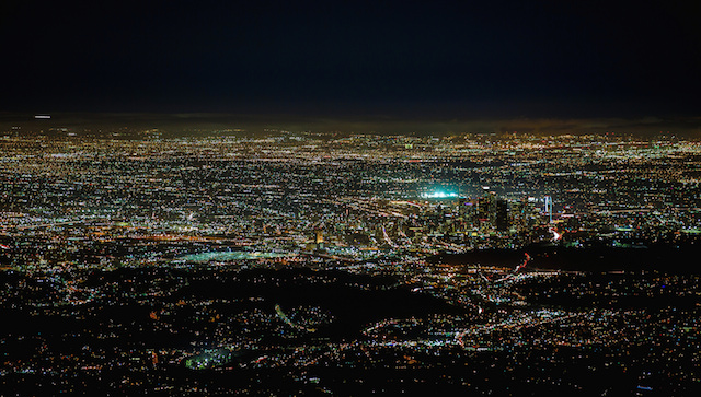 Light Pollution Is No Match For The Milky Way In These Stunning - Beautiful video imagines cities without light pollution