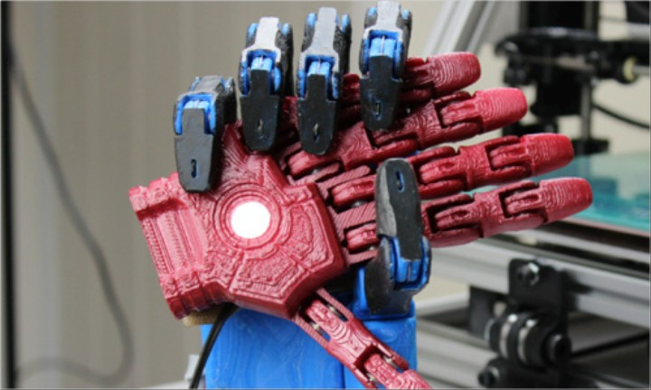 A 3D Printed Robotic Prosthetic Hand That Costs Under $1000