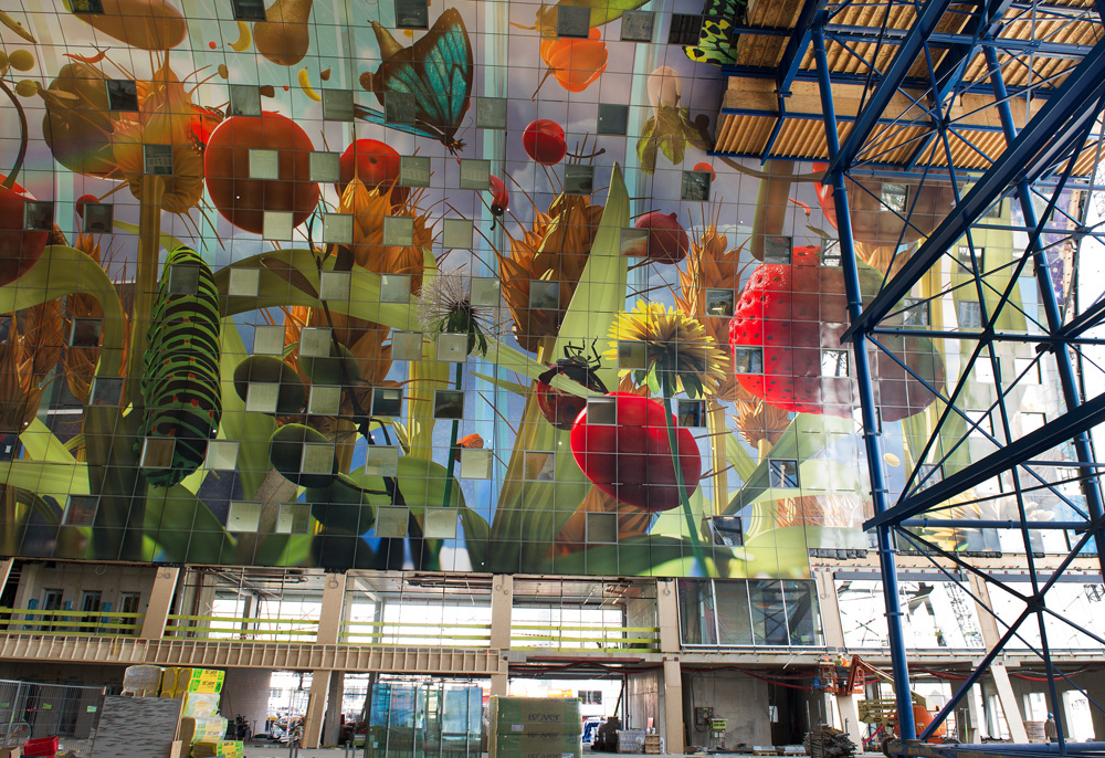 Artist In Rotterdam Creates The Biggest Artwork In The World - Incredible 36000 sq ft mural lines ceiling market hall rotterdam