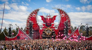 Exclusive] Building the Largest Hardstyle Festival in
